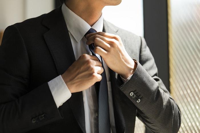 営業マンのスーツ選びとマナー完全版!結果を出す営業マンになるために必要な身だしなみとは
